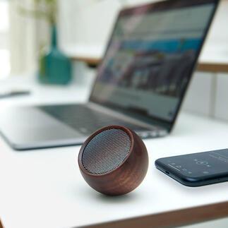 Mini-Design-Lautsprecher Edles Holz-Design statt Plastik: der schönere Lautsprecher für unterwegs. Verblüffend sattes Klangvolumen im Taschenformat.