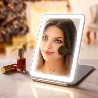 Klapp-Kosmetikspiegel Extra grosse Spiegelfläche. Optimale Ausleuchtung. Elegantes, flaches Design.