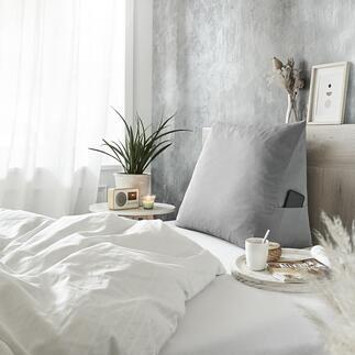 Bettsitzkissen Sitzen, Lesen, Fernsehen, Frühstücken im Bett wird endlich bequem. Das kuschelige Keilkissen stützt komfortabel den ganzen Rücken.
