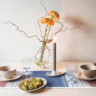 TischläuferNorwegen Der Tischläufer im angesagten Scandi-Look: mit original Norwegermuster von 1953. Entworfen von Unn Søiland, einst Königin der Norwegerdessins.