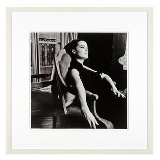 Will McBride – Romy Paris64 Will McBride, Star der deutschen Fotografie-Geschichte, präsentiert seine erste Edition: Romy Schneider auf hochwertigem Baryt. Masse: gerahmt 58 x 58 cm