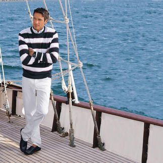 Der Pima-Cotton-Pullover mit maritimen Blockstreifen. Leicht, luftig und streichelzart auf blosser Haut. Aus seltener, peruanischer Baumwolle.