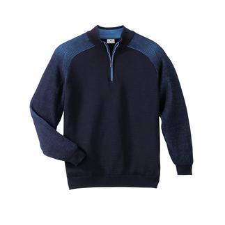 Der wärmende Wollpullover, der niemals kratzt. Dieser Stehkragen-Pullover ist im Stereo-System® gestrickt: aussen feinste Merinowolle, innen reine Baumwolle.