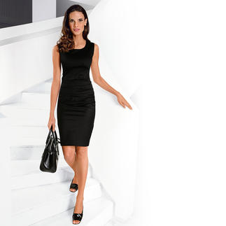 Das 227-Gramm-Kleid: Mehr Kleid brauchen Sie an warmen Tagen nicht. Stilvoll elegant. Erfrischend atmungsaktiv. Die Raffung schmeichelt der Figur und ist herrlich dehnbequem.