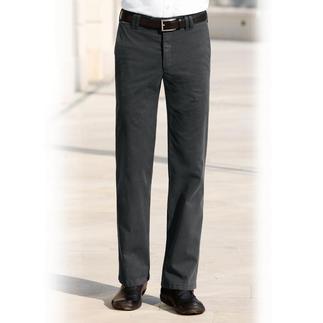Chino oder Cargo mit Thermo-Funktion. Modisch zeitgemässe Hosen, die Sie sehr gut wärmen und zugleich unglaublich leicht sind.