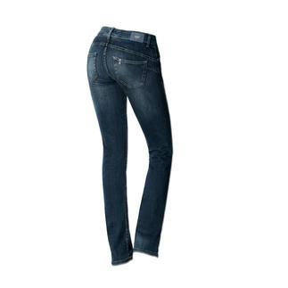 """Die """"Bottom up"""" von Liu Jo Jeans, Italien - kaum eine Jeans lässt Ihren Po knackiger aussehen. Gesässtaschen und Abnäher sind an genau den richtigen Stellen platziert, um den Po optisch gekonnt in Szene zu"""