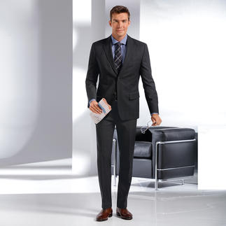 Der businesstaugliche Schurwoll-Anzug im dezenten Glencheck-Karo. Merinowolle extrafein von Zignone in Biella: Fein. Leicht. Weich. Und unempfindlich gegen Knitter.