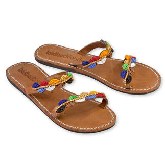 Die Laidback London Perlen-Flats: traditionell handgemachtes afrikanisches Kunsthandwerk. Der Schuh-Trend des Sommers - durch die aktuelle Ethno-Mode sind solche Sandalen jetzt mehr denn je im Trend.