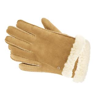 Lammfell-Handschuhe der Kultmarke UGG® Australia: kuschelig weich, ganz leicht und schön warm. Die Kultmarke stellt sie im Stil der beliebten UGG®-Boots her: aus feinem Veloursleder und weichem Lammfell.