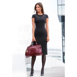 Das luxuriöse Kleine Schwarze vom Celebrity-Ausstatter Safiyaa, London. Inspiriert von den eleganten Couture-Schnitten der 50er Jahre. Wunderbar feminin, sexy und figurschmeichelnd.