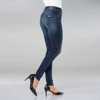 """Die """"Bottom up"""" von Liu Jo Jeans, Italien - kaum eine Skinny Jeans lässt ihren Po knackiger aussehen. Gesässtaschen und Abnäher sind an genau den richtigen Stellen platziert, um den Po optisch in Szene zu setzen."""