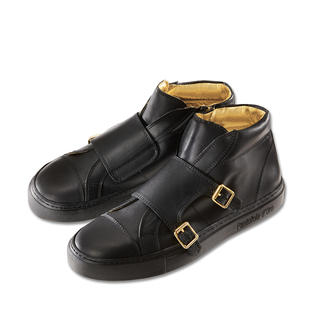 Der Edel-Sneaker: Ausgefallene Kombination aus Doppel-Monk und Retro-Turnschuh. Feinstes Kalbleder, rahmengenäht in Italien. Von Pantofola D'Oro.