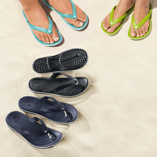 Die Strand-Flips mit bequemem Fussbett. Superweich. Sanft dämpfend. Und ultraleicht. Von Crocs™. Für Damen und Herren.