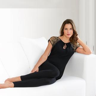 Luxuriöser Pyjama und sommerleichter Homesuit in einem. Seidenzartes Modal. Elegantes Schwarz. Charmante Spitze. Von Tatà, Italien.