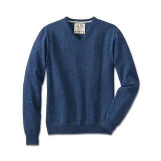 Der Pullover aus zeitgemässem Denim-Strick. Nur wenigen gelingt es so gut wie den Experten von Alan Pain. Reine Baumwolle, selten farbintensiv und extra soft.