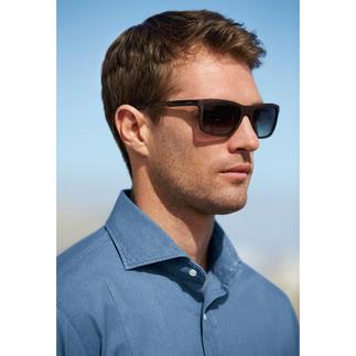 Die erschwingliche Designerbrille von Guess, USA. Nobel und trendgerecht: matter Holz-Look statt glänzendem Kunststoff.