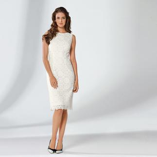 Das Etuikleid mit Plauener Spitze® - zwei Mode-Legenden in einem Kleid. Feminin, doch nicht verspielt. Stilsichere Wahl zu jedem Anlass. In Schwarz oder Weiss.