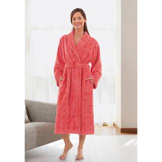 Der Bademantel mit zwei guten Seiten: Aussen Baumwolle. Innen MicroModal®. Angenehm leichter. Dauerhaft weicher.