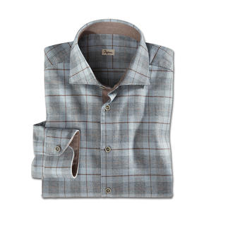 Das aussergewöhnlich feine Flanell-Hemd, selten stilvoll kariert. Fein genug fürs Business. Gemütlich genug für die Freizeit.