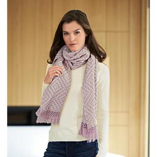 Der stylishe Relief-Schal aus reinem Kaschmir. Instant Chic für jedes Outfit. Plastisch gewebt statt glatt gestrickt. Von Heartbreaker.