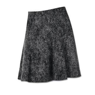 Der Tweed-Rock, der viel leichter, weicher und bequemer ist als üblich. Aus softem Wolljersey in aktueller schwingender Form.