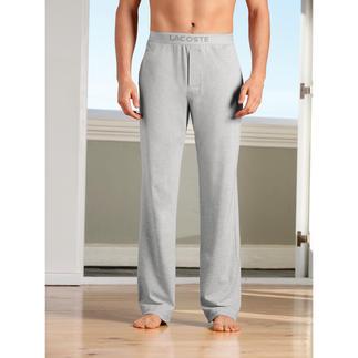 Der Pyjama, der so luftig und bequem ist wie ein Piqué-Polo. Von Lacoste/Frankreich, seit 1933 Spezialist für sportlich-elegante Poloshirts.