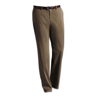 Die Edel-Chino aus Supima®-Baumwolle: Fühlt sich weicher an, sieht länger gut aus. Extra sanft. Unvermindert strapazierfähig. Vom Hosen-Spezialisten Hiltl/Deutschland.