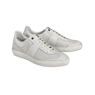 Die Edel-Version der aktuellen Sneaker im Retro-Look. Vollleder-Ausstattung. Durchgenähte Sohle. Detailreiche Verarbeitung. Made in Portugal. Von Coque Terra.