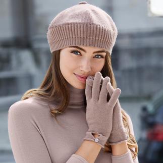 Baskenmütze, Schal und Handschuhe von Johnstons/Schottland. Praktisch, trendy. Und aus reinem Kaschmir.