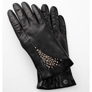 Handgefertigte Lederhandschuhe seit 1923 - von Otto Kessler. Catwalk-Trend Federn. - besonders schön an feinen Lederhandschuhen.