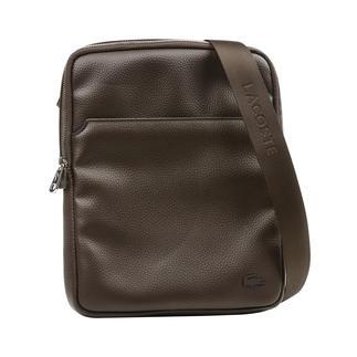 Die kleine Crossover-Bag im zeitgemässen Look. Lange gesucht. Cleanes Design. Edle Leder-Optik. iPad-taugliches Format. Praktische Aufteilung.