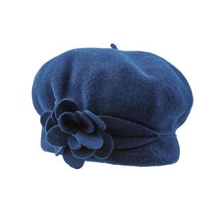 Die einzig wahre, 100 % französische Baskenmütze. Von Laulhère. Mit modischem Blütendetail aus reiner Merinowolle handgearbeitet.