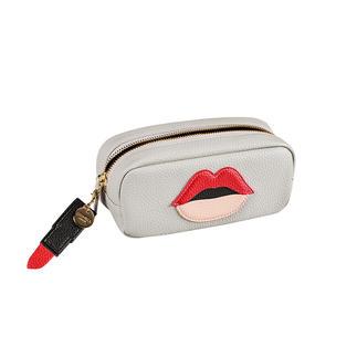 Die stylishe Kosmetiktasche mit Lademöglichkeit für Smartphone und Tablet. Stylische Aufbewahrung für Ihre Kosmetika. Lademöglichkeit für Smartphone und Tablet.