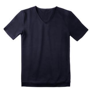 Der Pyjama aus Schweizer Baumwoll-Piqué. Luftig wie ein Polo-Shirt. Präsentabel wie ein Homesuit.