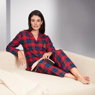 Der kuschelweicher Flanell-Pyjama im edlen Preppy -Style. Klassischer Schnitt. Traditionelles Schottenkaro. Gesticktes Monogramm.