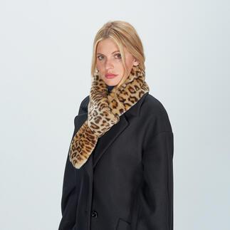 Der Schlaufenschal aus hochwertigem Leoparden-Fake Fur. Modisches Update eines eleganten Klassikers. Von molliolli ECO-FUR, Korea.