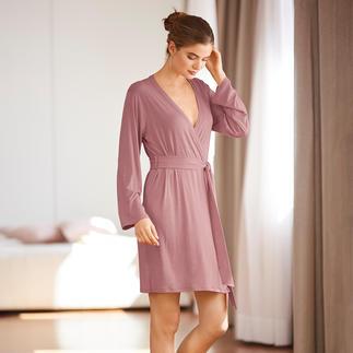 Die bequemste Loungewear, die wir kennen. Schwer zu finden: Pyjama und Kimono aus weich fliessender Bambus-Viskose.