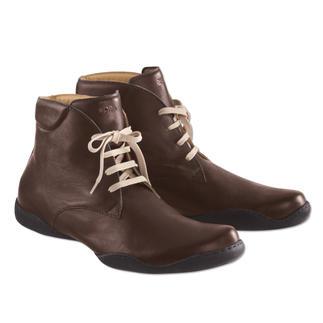 Der bequeme Wintersneaker für den Schnee auf dem Land. Und für den Teppich im Boardroom. Besonders angenehm durch butterweiche Lederfütterung. Von Arcus®, Frankreich.