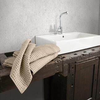 Die Handtücher der Luxus-Hotels aus edlem, grosswabigem Waffelpiqué von Busatti 1842. Weltweit schwer zu finden – in Italien ein traditionsreicher Klassiker.