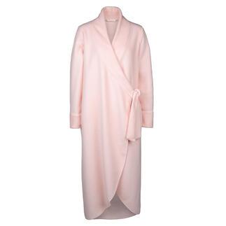 Die elegante Ausnahme: So feminin sind nur die wenigsten Fleece-Morgenmäntel. Gekonnte Schnittführung. Seitliche Schnürung. Edle Farbe. Made in Italy von Chiara Fiorini.