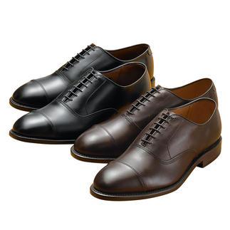 Die Klassiker aus den USA: Rundum rahmengenäht. Kompromisslose Qualität, die Sie auf Jahre begleitet. Allen Edmonds macht noch Schuhe fürs Leben. Mit Futter aus feinstem, französischem Kalbleder.