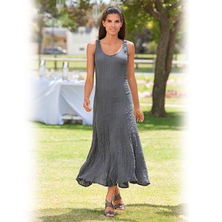 Das unkomplizierte Crash-Kleid aus reiner Seide: behält trotzdem nach Stunden noch die Form. Knitterunempfindlich, bügelfrei und absolut blickdicht. Figurgünstig und vielseitig.
