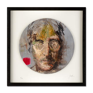 "Oliver Jordan – John Lennon Oliver Jordans Schallplatten-Edition ""John Lennon"". Handübermalt – jedes der 60 Exemplare ein Unikat. Masse: gerahmt 42,5 x 42,5 cm"