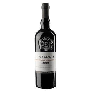 Taylors LBV Port 2010, Portugal Geniessen Sie diesen Port auch noch Wochen nach dem Öffnen der Flasche.