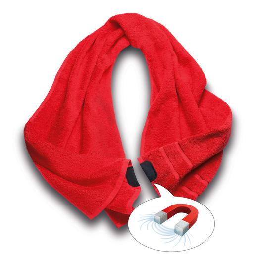 Einfach die beiden Enden zusammenklippen – und Ihr Handtuch sitzt perfekt.