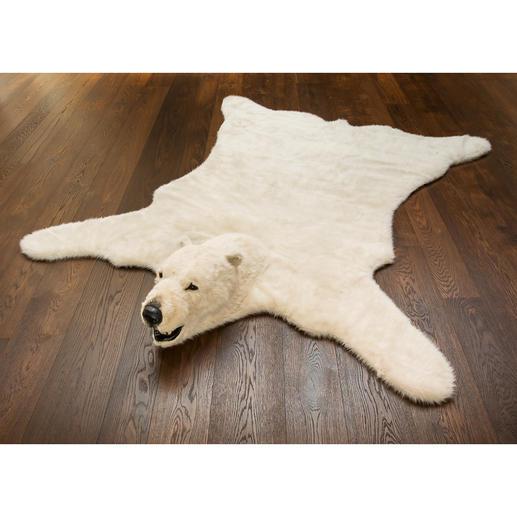 Unglaublich lebensecht: das 205 x 220 cm grosse Kunstfell mit charakteristischem Eisbär-Kopf.