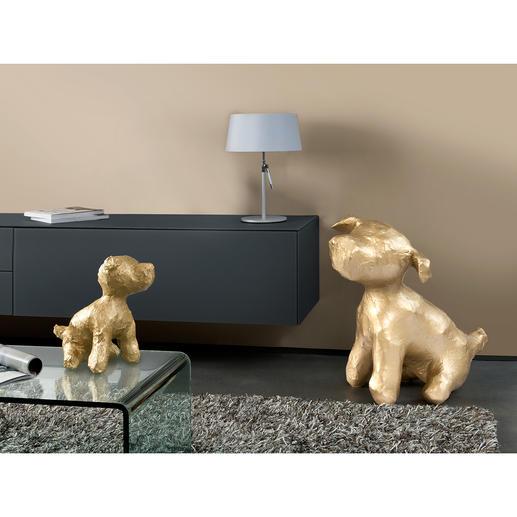 "Hundeskulptur Junior - Goldschimmernder Blickfang: die Hundeskulptur ""Junior"" der niederländischen Künstlerin Margot Brekelmans."