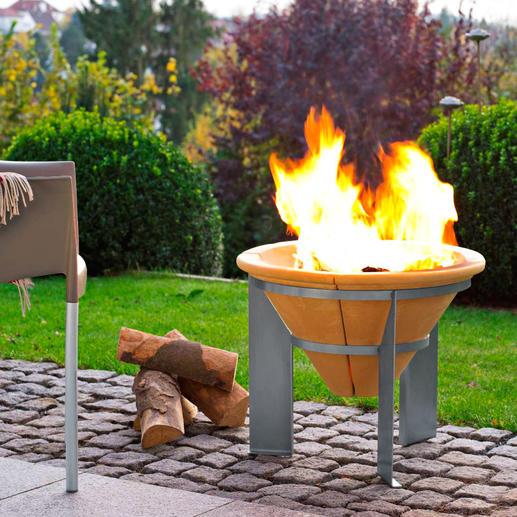 Feuerspeicher Kraftvolles Lagerfeuer. Und noch nach Erlöschen der Glut bis zu 2 Stunden Wärme.