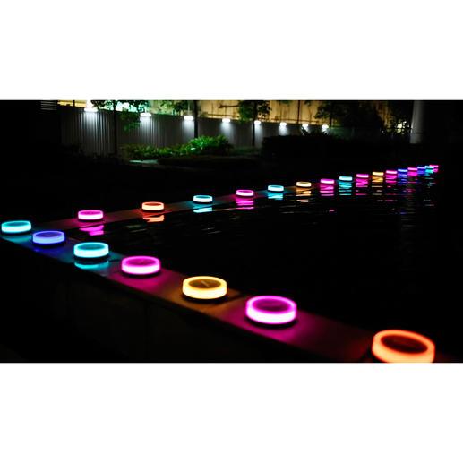 Playbulb Gartenleuchte - Verwandeln Sie Ihren Garten in eine Bühne für eine aussergewöhnliche Lichtshow - ganz ohne Strom.