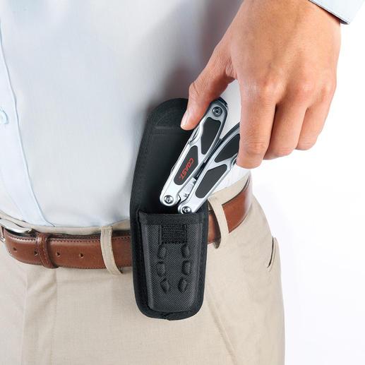 Im mitgelieferten Nylonholster bequem auch am Gürtel zu tragen.